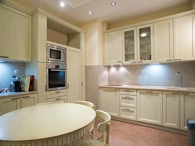 Semi Gloss Sheen Finish - Kitchen - Cream White - ProTEK Painters Newton MA 400x300