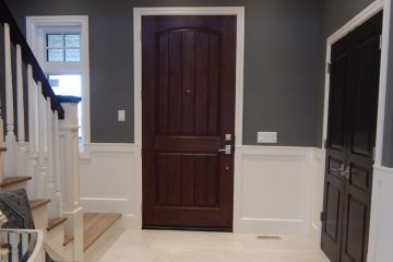 Interior Painters - ProTEK Painters - Newton, MA - Interior painting colors in entryway dark blue and white