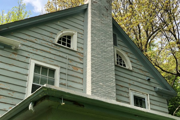 BEFORE – Exterior Painters Near Newton MA – Two Story with Chimney in Blue with White Trim – ProTEK Painters 600×400